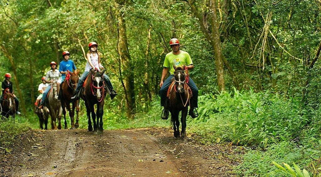 cavalgada-estrada-recanto-das-cachoeiras-brotas