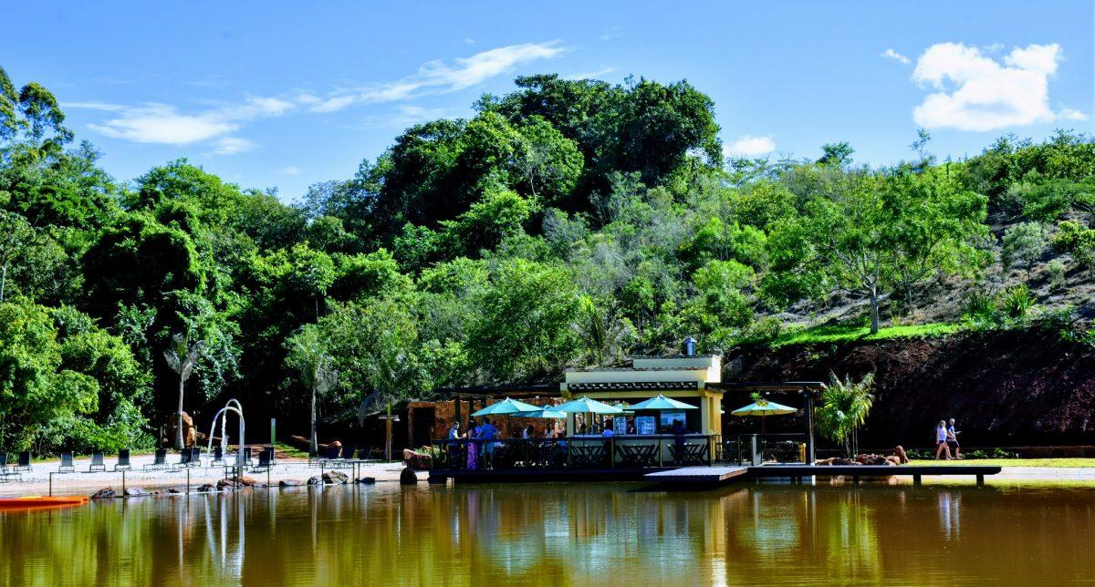 oasis-recanto-das-cachoeiras-brotas-slide