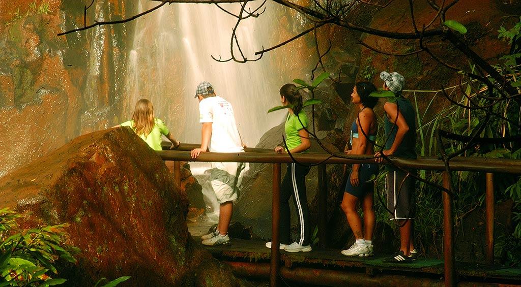 trilha-da-pedra-branca-recanto-das-cachoeira-brotas-4